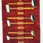 """Screenshot_2020-07-10 السري آرت فعاليات-ادوات الخط on Instagram """"6حرك لليسار لرؤية الاطقم المعدنية الناعمة بالشقوق لاستمداد […]"""
